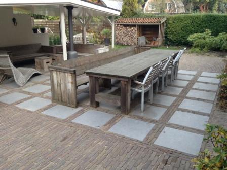 Tuin Met Keramische Tegels.Tuin In De Steeg Maken Van Terrassen Van Keramische Tegels